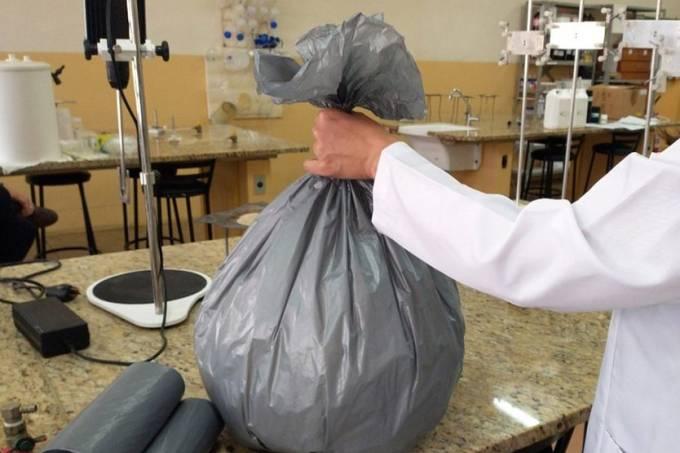 Saco de lixo que elimina coronavírus é aprovado
