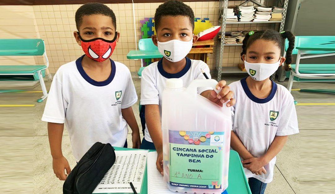 Alunos da Escola da Serra iniciam a gincana social do Programa Tampinha do Bem